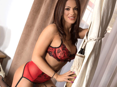 ChatOrgasm Brunette Cam Girl Model with Sexy Lingerie